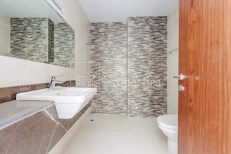 2 Bedroom Apartment for Rent in Dubailand Residence ...